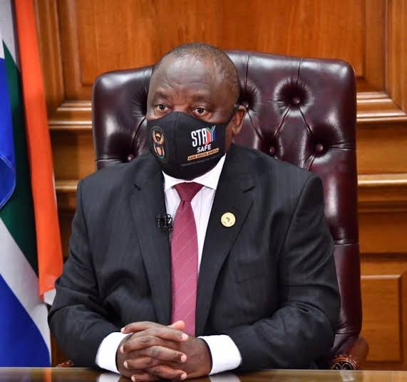 President Cyril Ramaphosa will address the nation at 8pm today, on South Africa's response to the #COVID19 pandemic. Follow @InsidePolitics8 for live updates. https://t.co/s0DVctUXSH