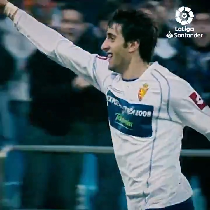 💙 15/01/2006 🤍  🔙👑⚽ ¡Hace 15 años, Diego Milito marcaba su primer doblete con el @RealZaragoza en #LaLigaSantander!