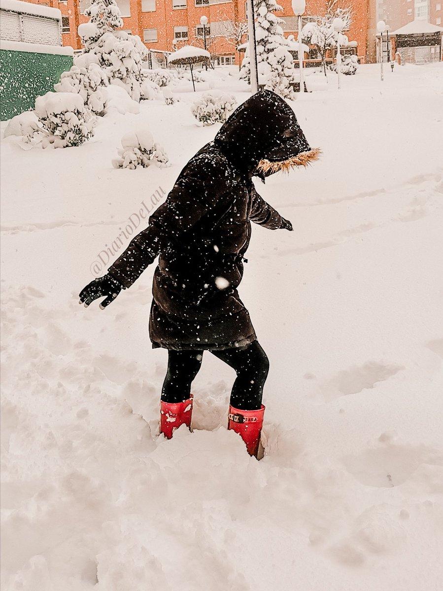 ☃️  ❄️  ___ #Madrid #MadridNevado #MadridBajoLaNieve #quedateencasa #Apocalipsis #nieve #Filomena #spain #espana #FelizLunesATodos #happyMonday #FrozenARV #FelizLunes