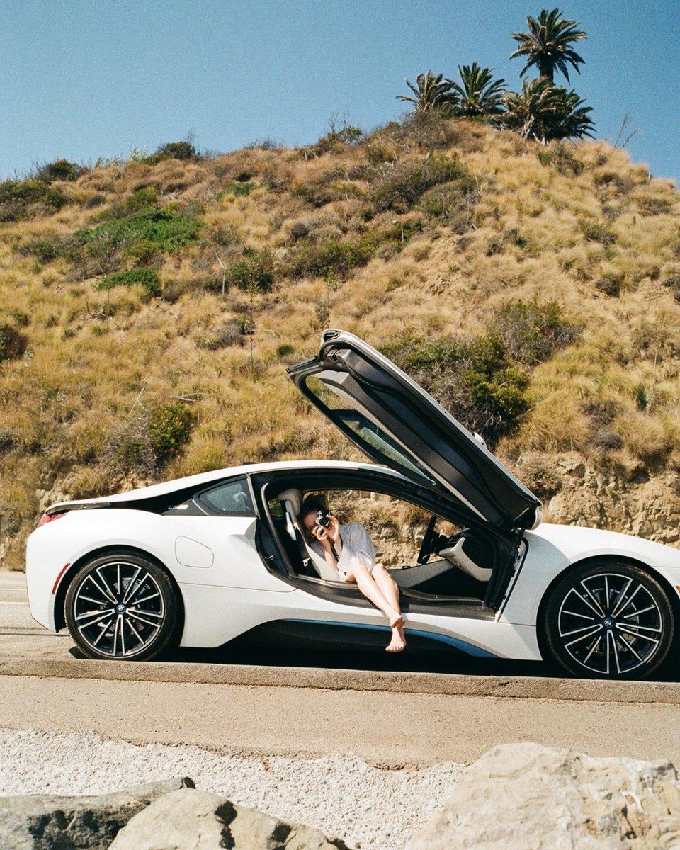 ¿Estás listo para elegir tu propio camino? Hazlo con la electrificante libertad que te brinda el BMW i8 Coupé ⚡️  Cotízalo:    #THEi8 #BMWi #BMWi8 #bornelectric #bmwimagen #bmwmexico #elplacerdeconducir
