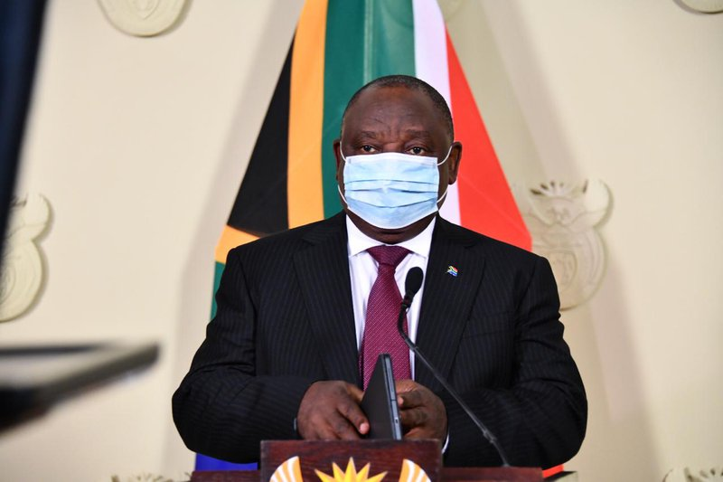 Happening now: President Cyril Ramaphosa is set to address the nation amid a spike in Covid-19 infections and fatalities across the country. #FamilyMeeting https://t.co/lsOEyhozAK