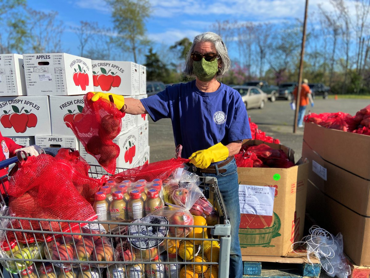 Every dollar makes a difference! Learn more about how we're working with food banks across the country to keep meals on our neighbors' tables during the pandemic:
