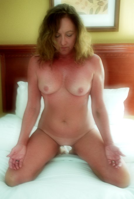 Just dropped another video - https://t.co/uC7CcCtmdS  @CroAna18 @MilfsandMoms_WW @WillBang4 @Firecrackers_