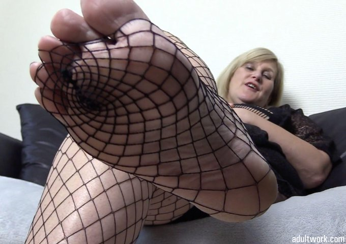 Another movie clip sold via #Adultwork.com! https://t.co/1W7lU6lFc2 Suck my Fishnet Feet https://t.c