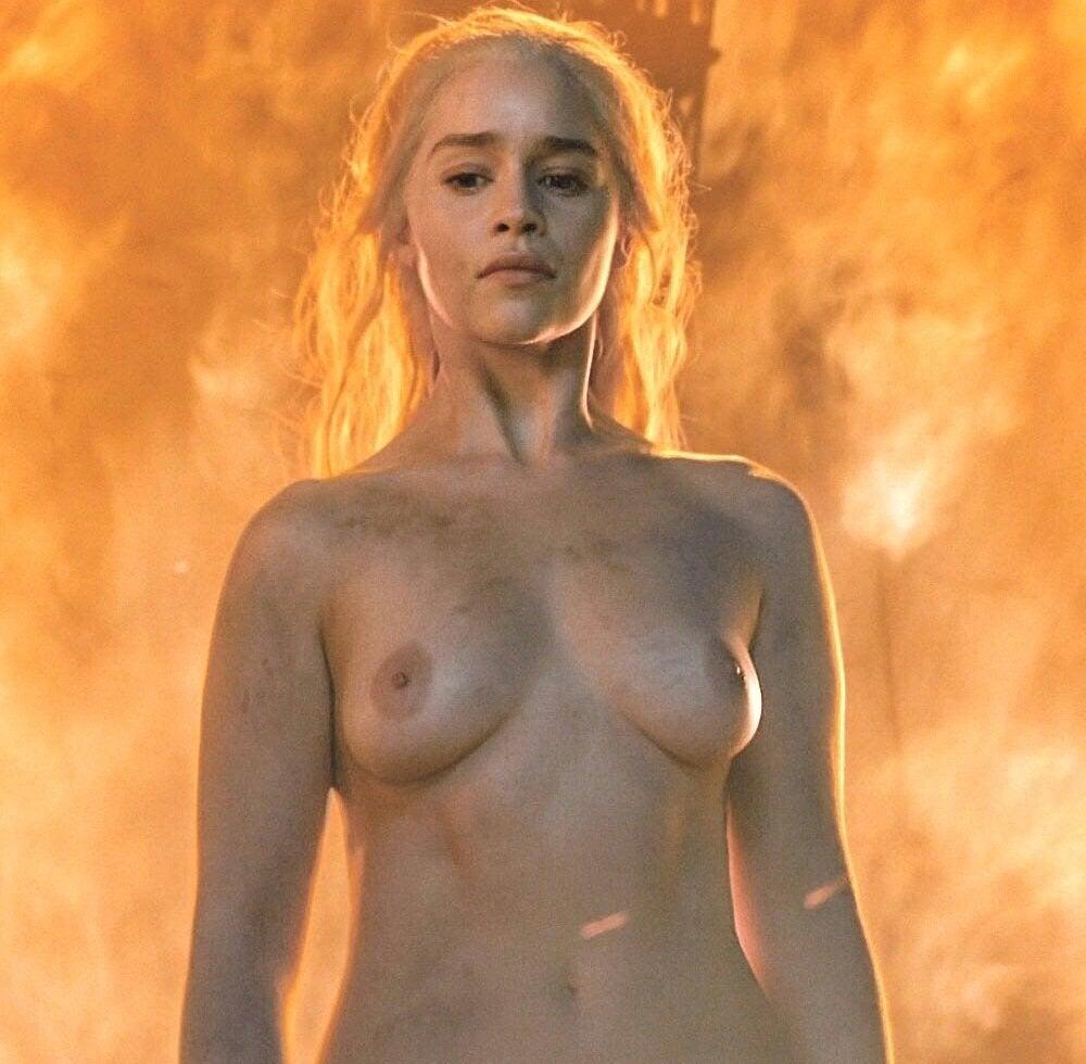 Emilia Clarke – Game of Thrones S06E04 (2016)  – Celeb Nudity