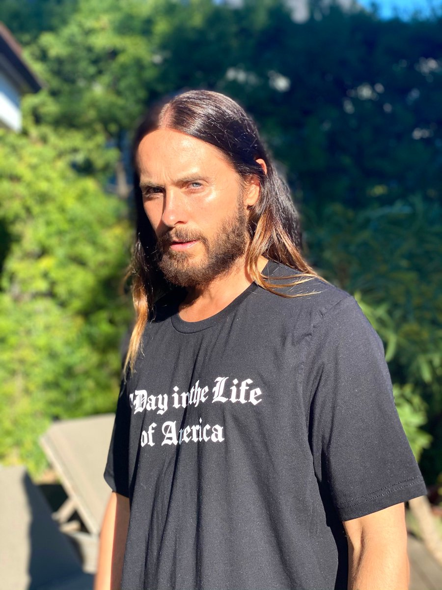 Our film A Day In the Life of America premieres tonight @ 10/9c on @PBS @IndependentLens & the PBS video app. Excited for you all to see it 🌅🌅🌅  Click here to check your local listing:   Grab the tee at @MARSStore 🙏🏼