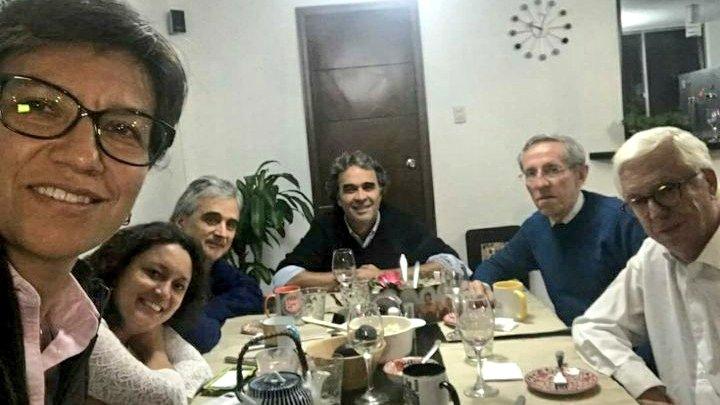 @Pelicolombianas's photo on Elias