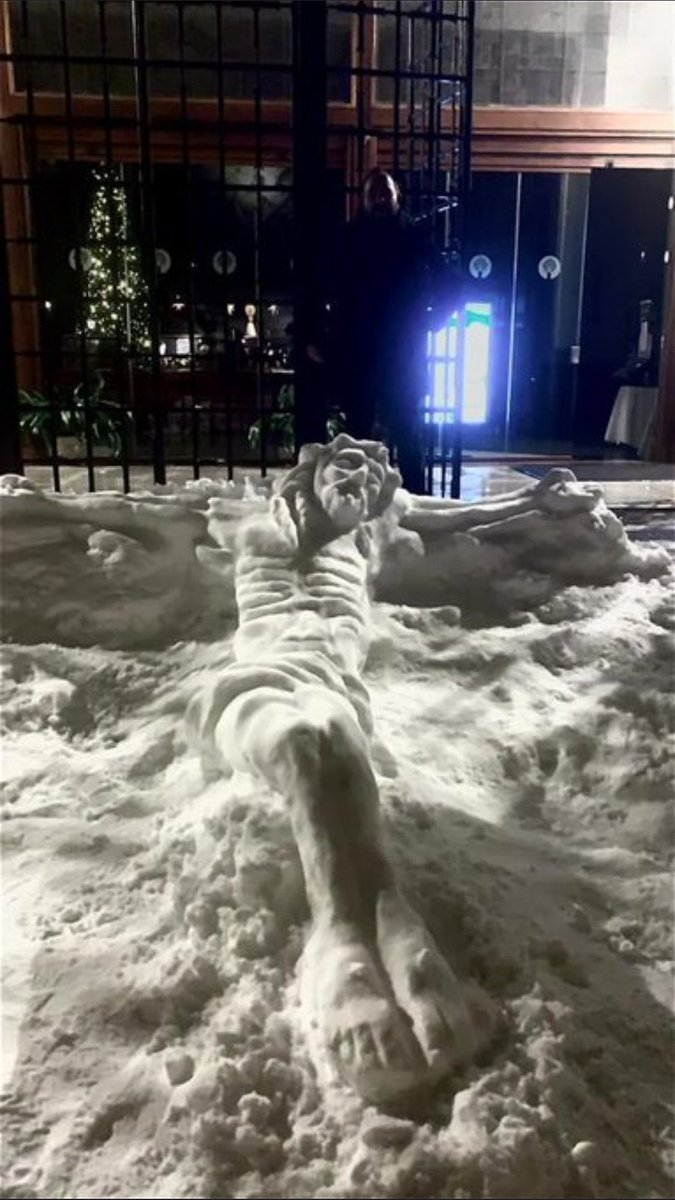 i found more pics of snow sculptures if you have the credits drop them because this is amazing