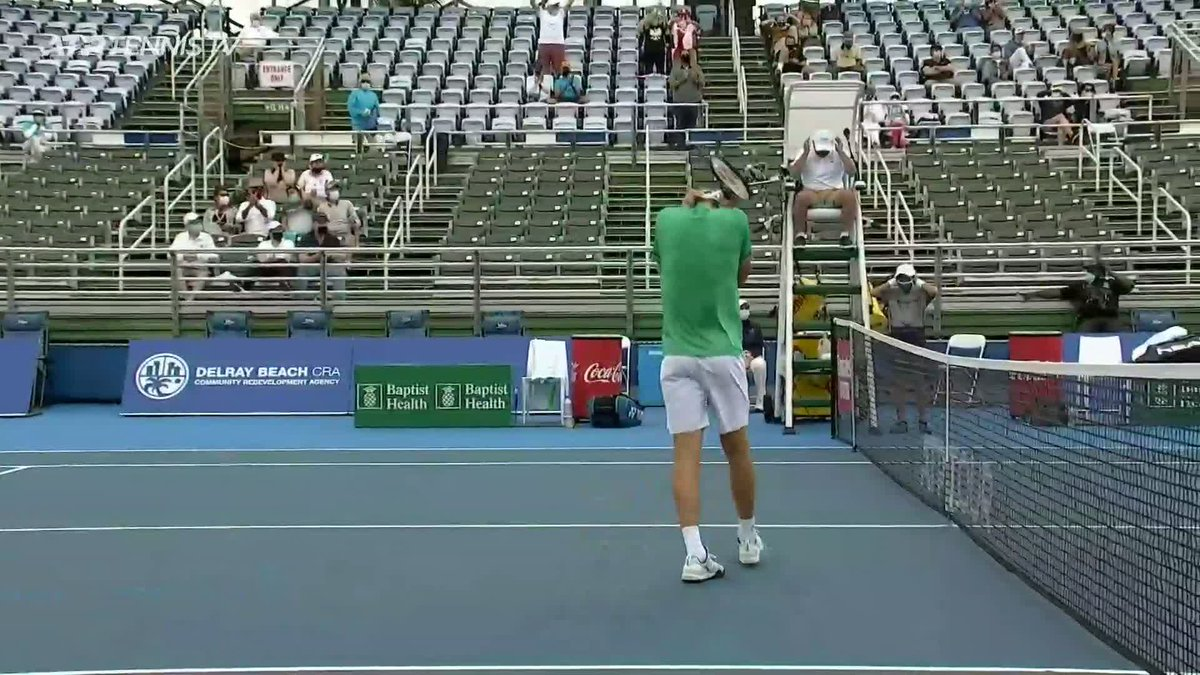 Ending with a bang... literally 😵  No.4 @HubertHurkacz ends qualifier Roberto Quiroz' dream run 6-4 6-4 to make the last 4 in Delray Beach!  #DBOpen https://t.co/IEbo4XFOMh