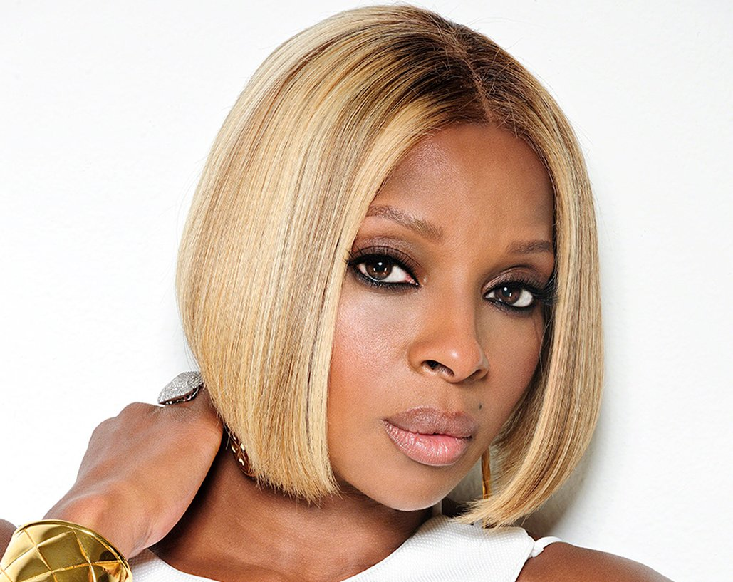 Celebrating @maryjblige tonight.. Happy Birthday Mary Jane Blige born January 11, is an American singer-songwriter, actress, and philanthropist. Her career began in 1991 when she was signed to Uptown Records.  #RnBNow  #MaryJMonday  #90s #90sLove #90smusic #Capricorn #Capricorns
