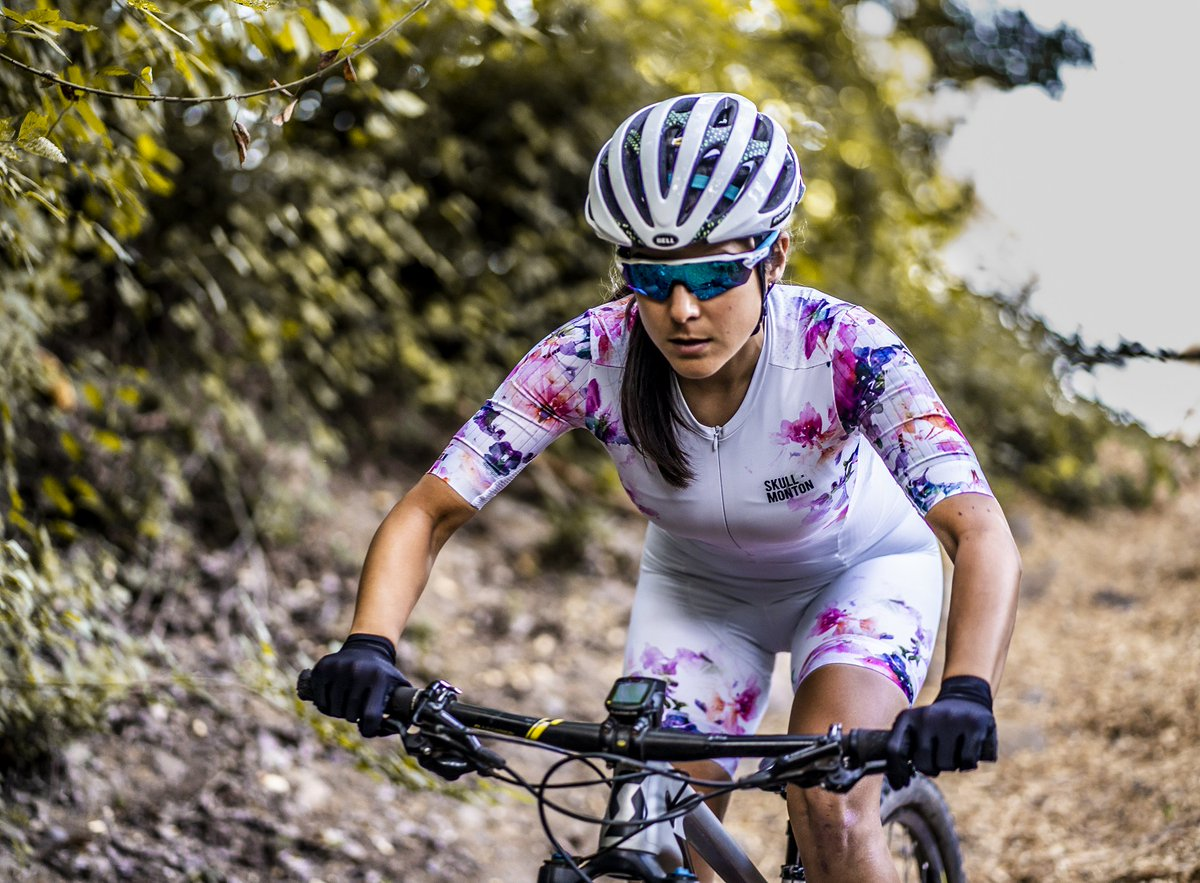 InkFlower - A functional and stylish womens cycling skinsuit with two pockets in the back for extra storage.   #skullxmonton #montonsports #ridewithpassion #monton #girlsonbikes #beautyofcycling #bikesgirls #cuzilovecycling #thecyclingculture #cyclinglife #roadbikelife
