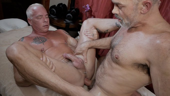 """What a HOT DADDY to MASSAGE and FUCK! Check out @RCandDigger and I in """"Happy Ending"""", uploading later"""