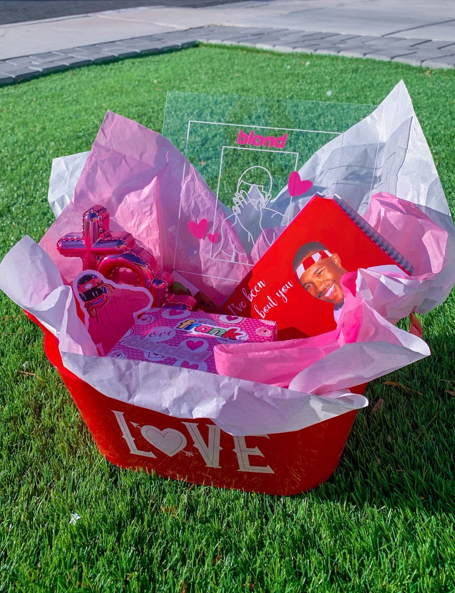 I am making Frank Ocean Valentines day baskets y'all!!  I am offering shipping on etsy, along with local pickup in Vegas! ORDER NOW 🤫