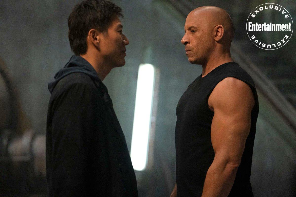 Como es su costumbre, #EntertainmentWeekly ha publicado las primeras imágenes de #Fast9 y confirman el regreso de Hank.  Que alguien me diga cómo es que Vin Diesel rejuvenece mientras Michelle Rodriguez envejece.  #Cine