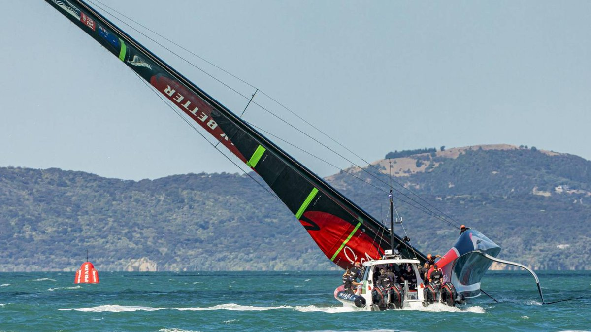 America's Cup: English media slam capsize as 'embarrassing setback' for Team New Zealand https://t.co/dLfTfldKbw https://t.co/D0HEeEpPPJ
