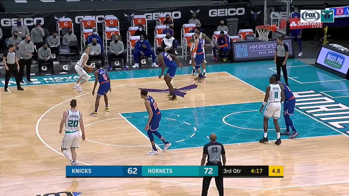DON'T JUMP!  Pretty pump fake and finish by @MELOD1P!  #AllFly | @hornets