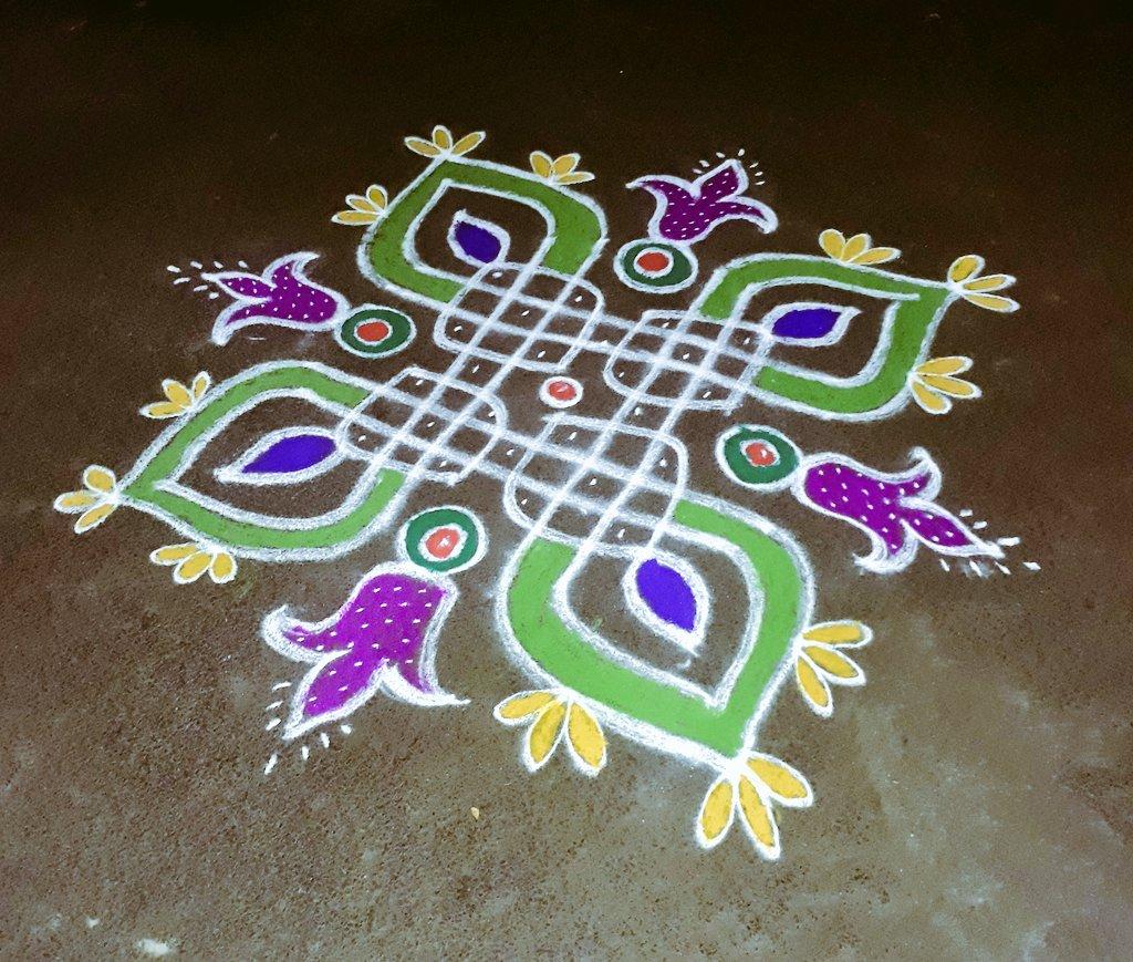 Ithulam hosur @TanishqJewelry kolam competition ku potathu...  Prize  kudupana? #margazhi #day23