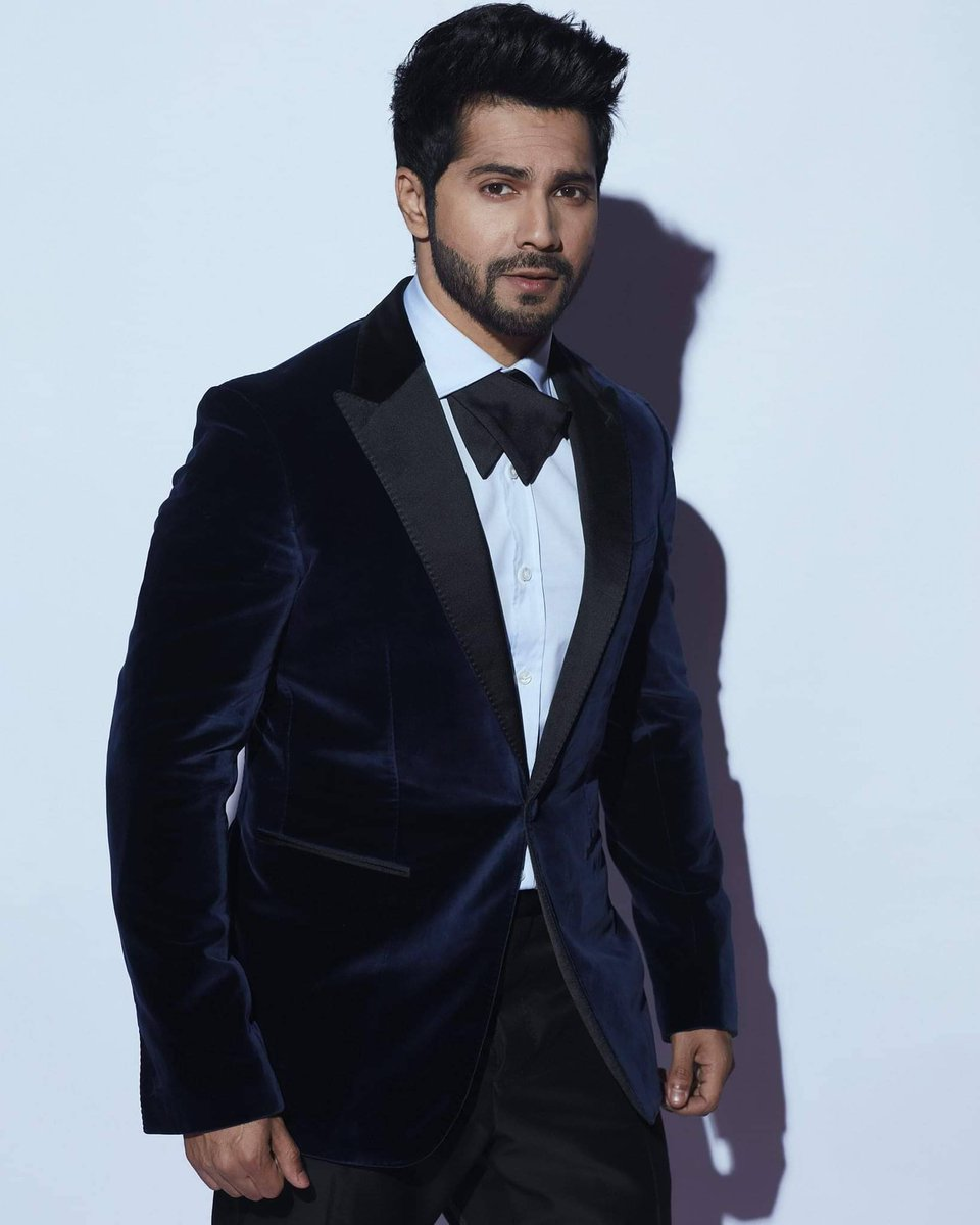 #VarunDhawan charged a 25 cr remuneration for highly successful #CoolieNo1.
