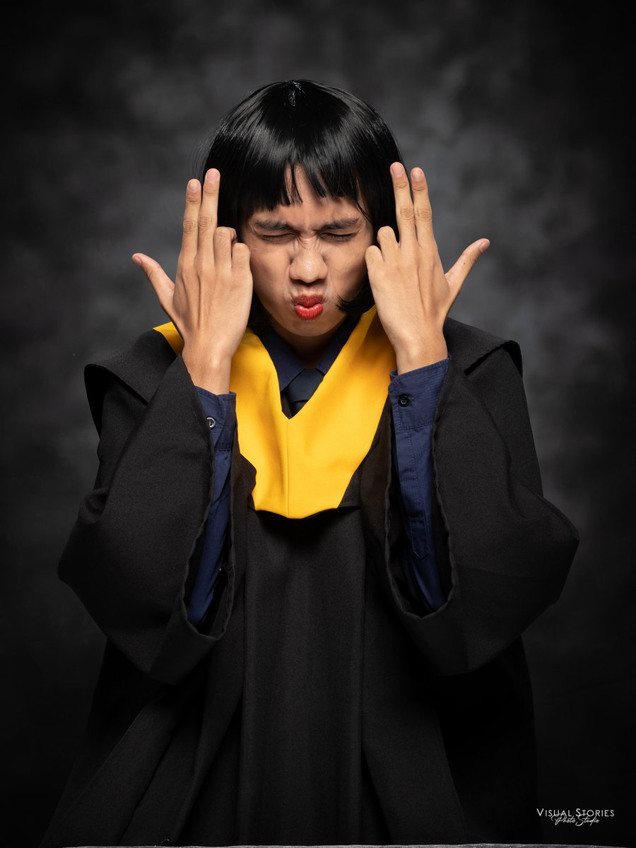 Skrrt! 👊😜  LOOK: Ruben Zata Rivera, a student at Tarlac Christian College, makes a parody of Mimiyuuuh's poses for his graduation creative shots, and look, it's ya girl Mimi indeed!
