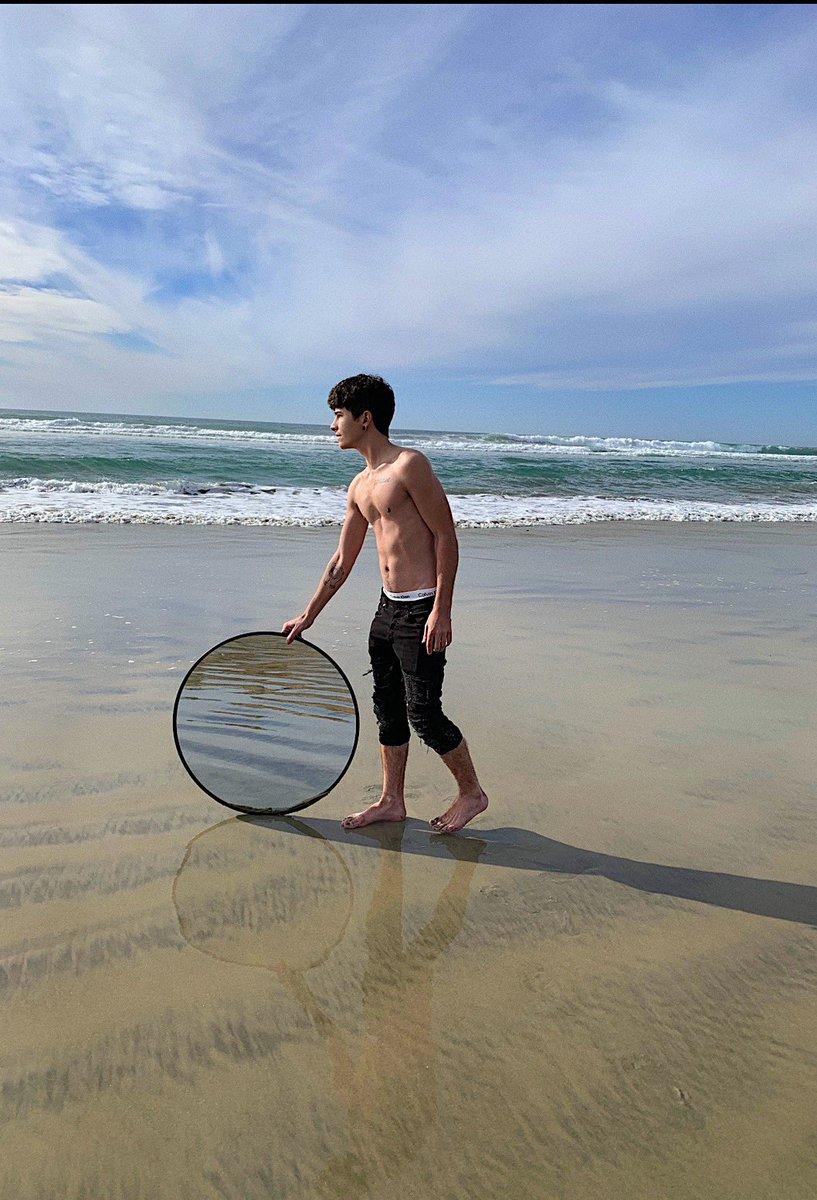 Replying to @kevinrupard: mirror beach selfie? 🌊