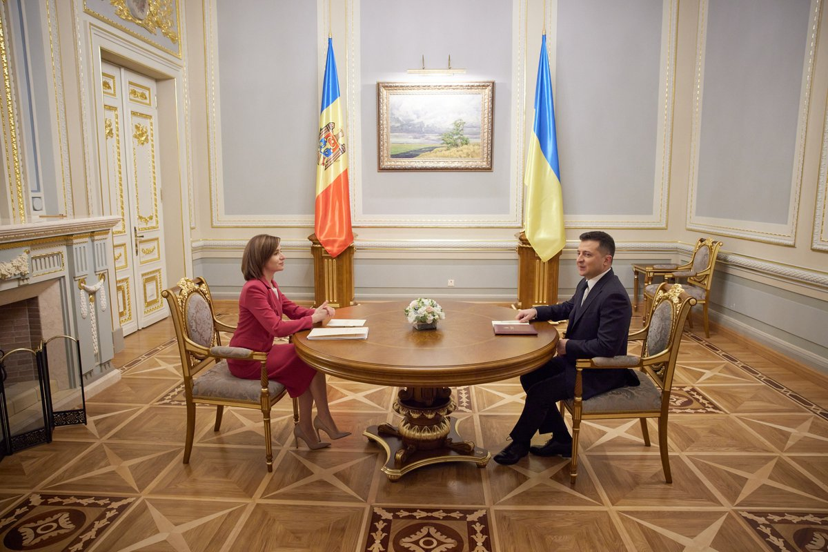 Our citizens will always be the key component of 🇺🇦 & 🇲🇩 dialogue. Ensuring the rights of the Ukrainian national minority in 🇲🇩 and the Moldovan minority in 🇺🇦 is a topical task. Thank you @sandumaiamd for openness and willingness to cooperate to develop our countries.