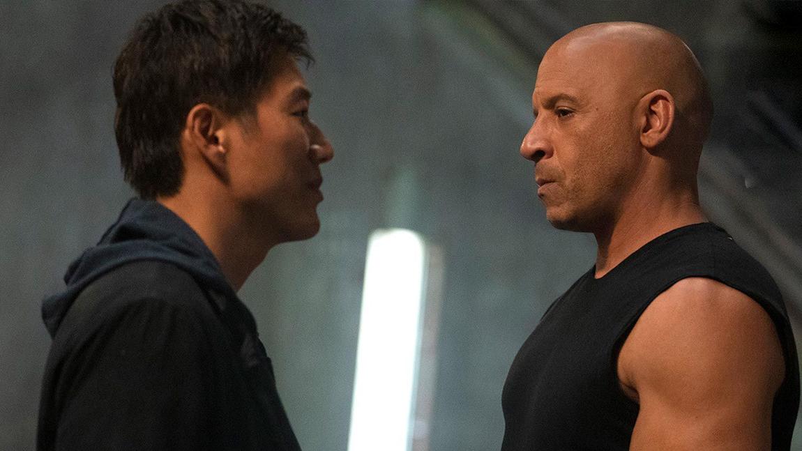 Toretto και Han ανταλλάζουν κοφτερές ματιές στο #FastAndFurious9 (ΕΙΚΟΝΕΣ)  #Fast9 #F9