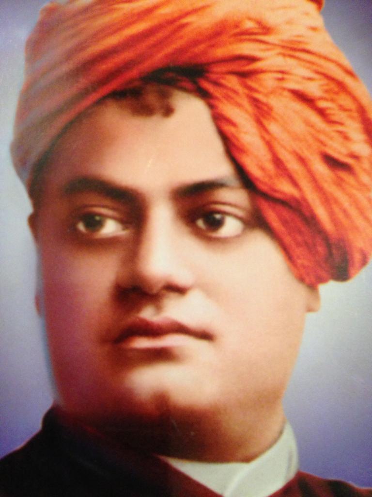Namaskar. Bharat varsh ke siddh yogi Swami Vivekanand ji ki aaj jayanti hai.Main unko aur unke guru Ramakrishna Paramahamsa ji ko koti koti pranam karti hun.