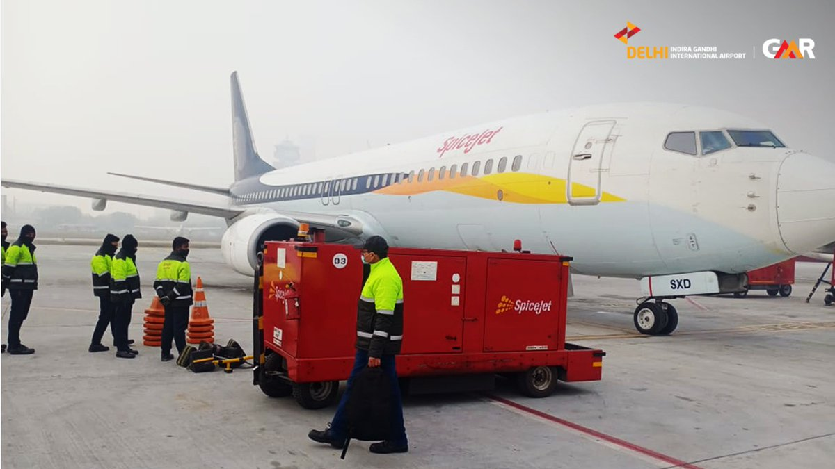 Good news just flew in! The first batch of COVID-19 vaccines reached #DelhiAirport today. Our cargo terminal efficiently handled it through temperature-controlled technology, ranging from -20 Deg C to +25 Deg C. @MoCA_GoI @HardeepSPuri @AAI_Official