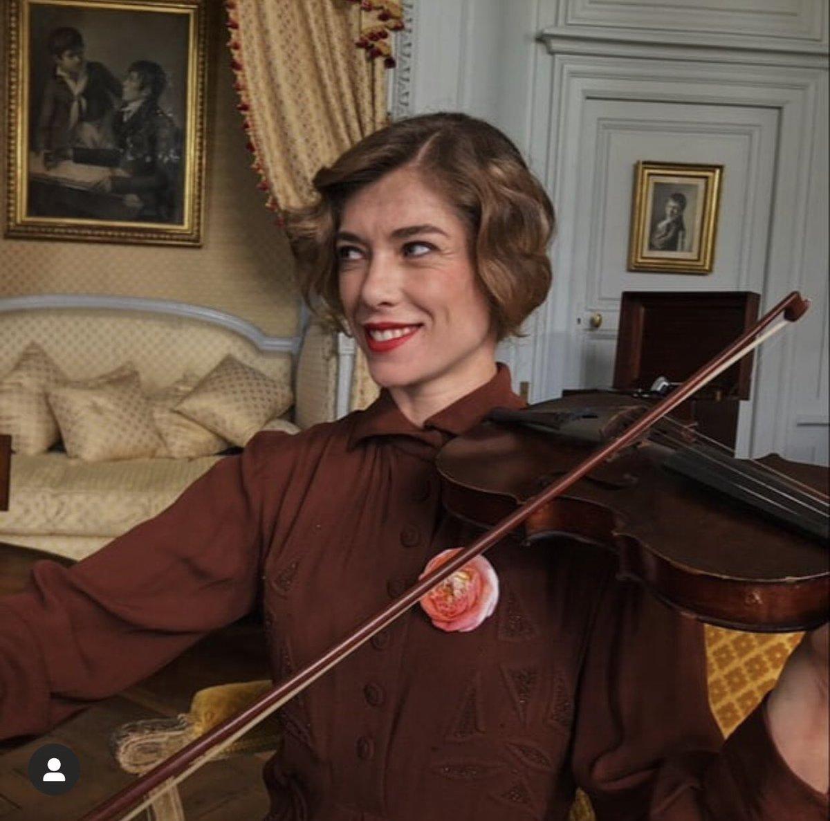 📈 #Audiences « #SecretsDhistoire : Élisabeth, la drôle de reine de Belgique » sur #France3 (11/01/21)  👥 2,12M de téléspectateurs 📌 9.3% de PDA https://t.co/cvXoxF3aVg