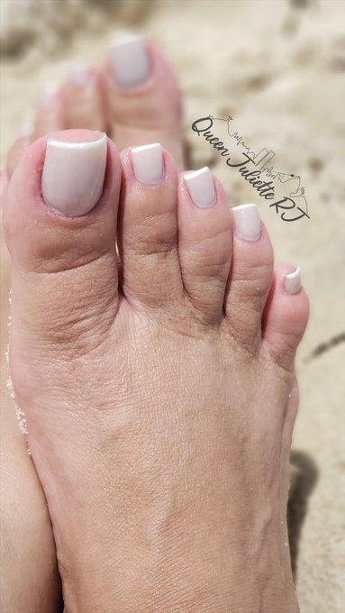 2 pic. Onlyfans da @juliette_rj  ✨👣 36 ✨Long toenails ✨Bbw Disponivel para: ✨  sessão online/presencial ✨