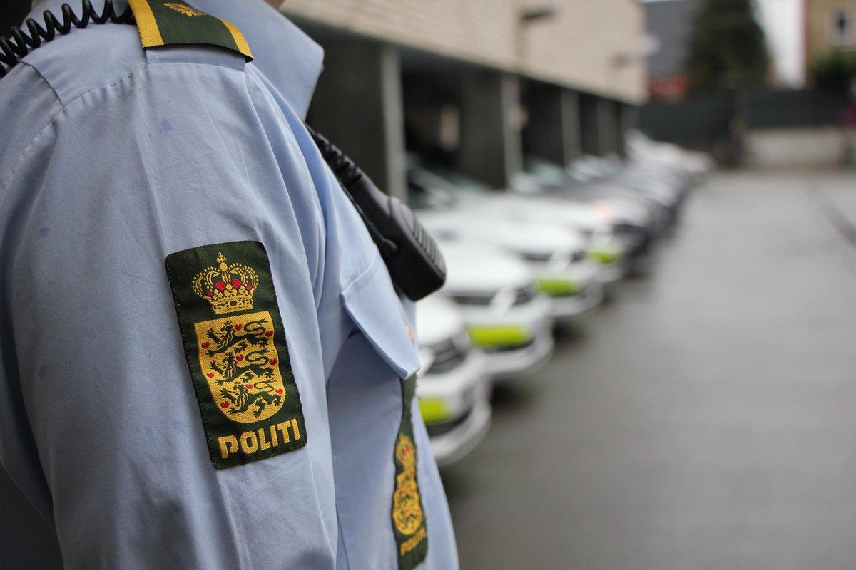 Midt- og Vestsjællands Politi søger vidner til episode i Roskilde den 5. januar 2021 #politidk https://t.co/Zbq3AUzQo2 https://t.co/cXY2Bax0oj