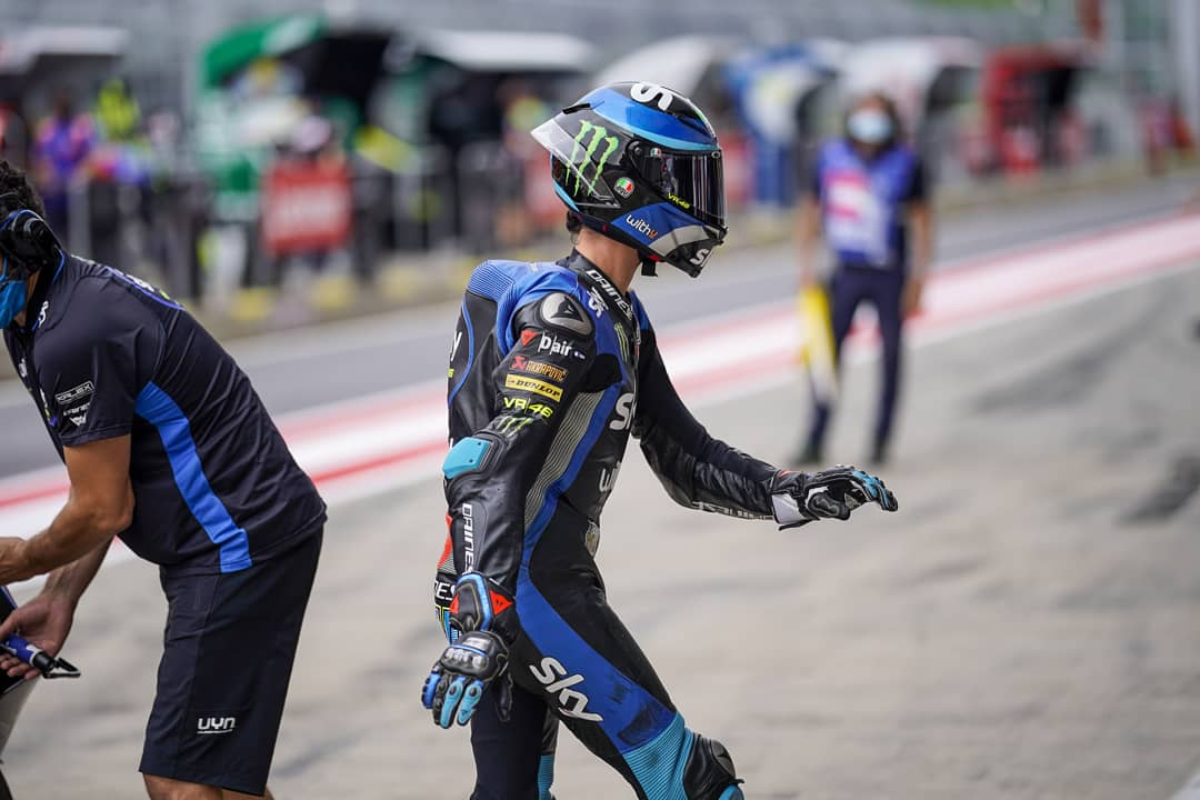🚶‍♂️ Walking proudly as a knight, running fast as the light, racing bravely in the fight! ⚔️✨ #RideTo2021 #SkyVR46 https://t.co/5vpSrtZ114