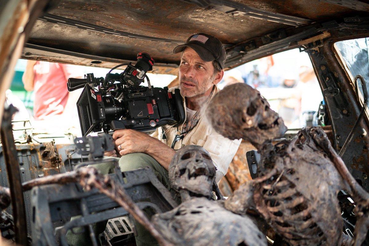 @NetflixFilm #ARMYOFTHEDEAD LETSSSSSSGOOOOOOOOOOOOO
