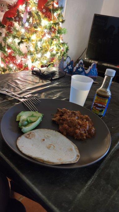 Hice bisteces a la mexicana!! Los frijoles quedaron tres horas después de rogarle al Dios del frijol