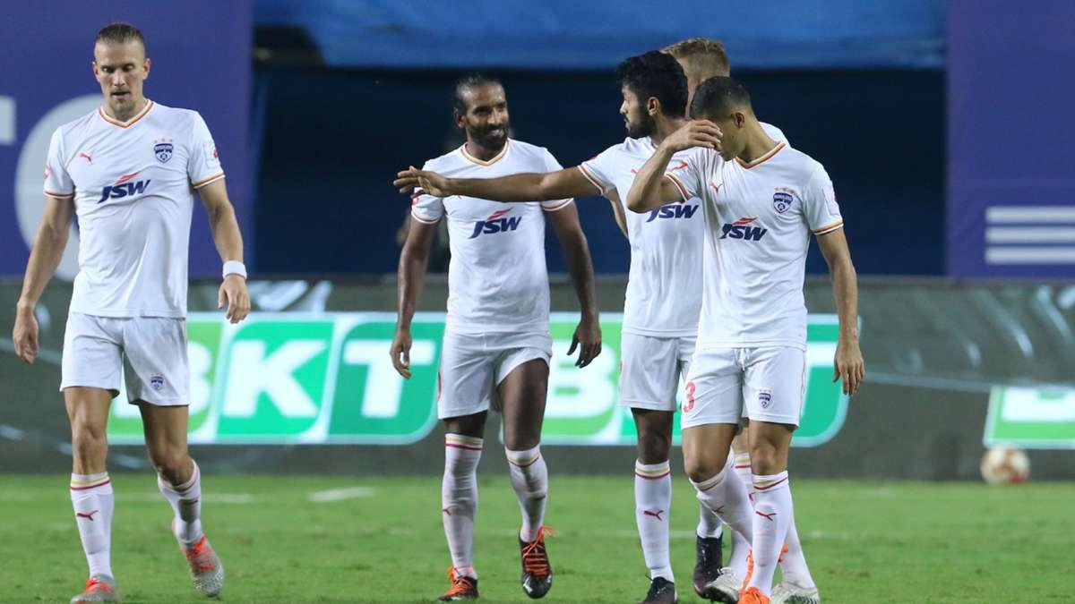 No winner in Goa as Bengaluru and NorthEast United settle for a draw! 🤝  Read: https://t.co/6AhZ5Xegvs  #ISL #NEUBFC https://t.co/5WbFWac6MH