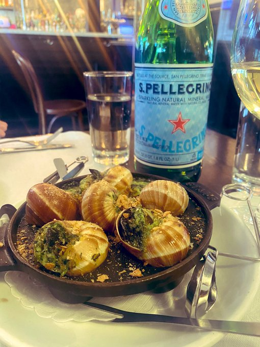 1 pic. French Cuisine, Escargot and me. Happy Birthday to me.❤️ https://t.co/X2OmYABHv9