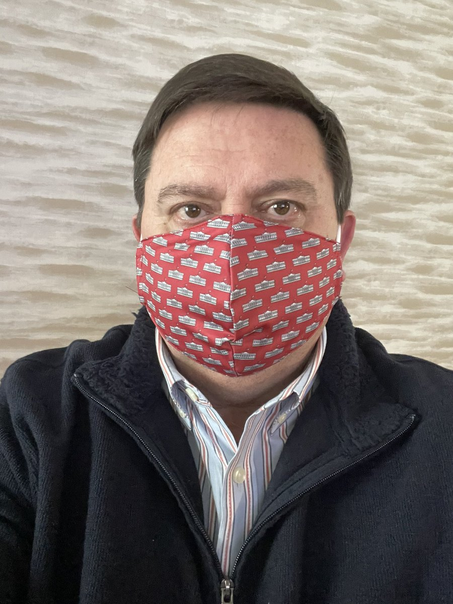 Our new @vineyardvines @WhiteHouseHstry masks are available today! It's the most comfortable mask I have and the proceeds support our non partisan education mission begun by Mrs. Kennedy 60 years ago! Get yours in red, navy, light blue, and pink.