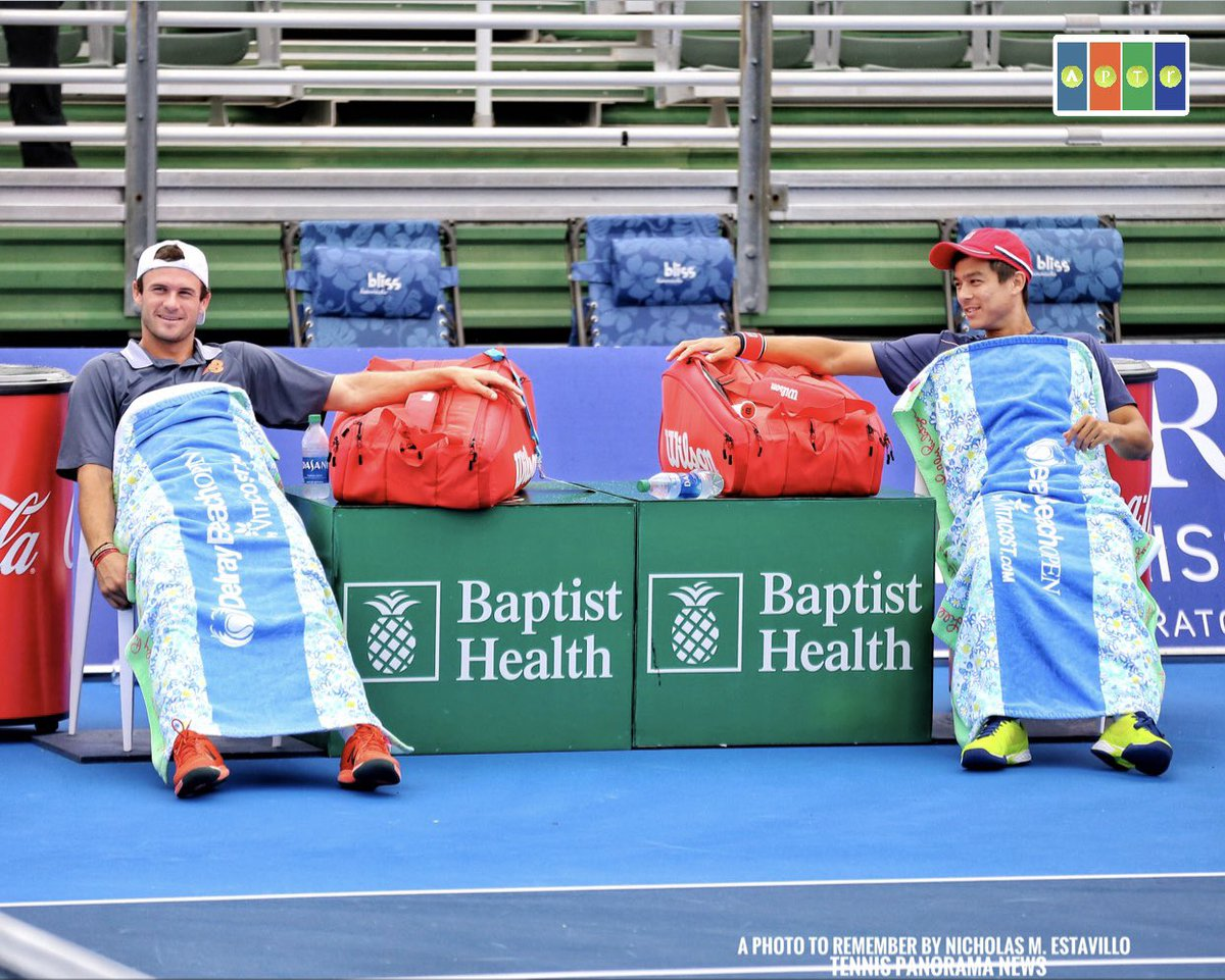 Stadium court rain delay, so here's a pic from an earlier rain delay at the @DelrayBeachOpen, with @TommyPaul1 & @mackiemacster   IG: a_photo_to_remember for pics from the tournament (for @TennisNewsTPN)  #DBOpen2021 #DelrayBeachOpen  #DBOpen #DBO2021 https://t.co/PniA5QOJxu
