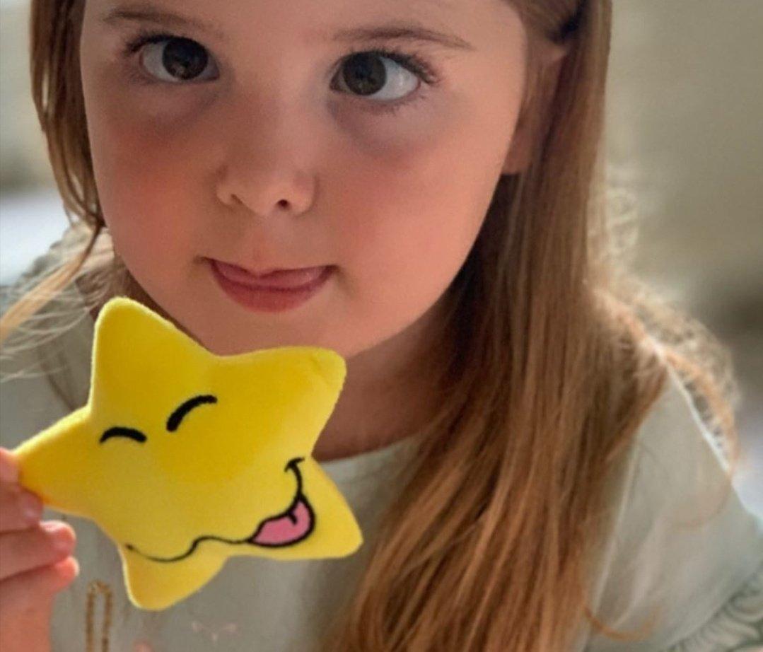 @rag_social Ah! Cheeky Star! Now there's an idea Gwen! #MotherOfMoodStars