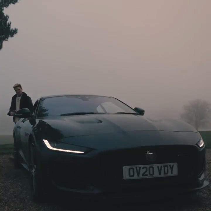 Fill your life with extraordinary moments. The New Jaguar #FTYPE.  🎥: @oliverproudlock #LivingWithFTYPE  Explore F-TYPE: