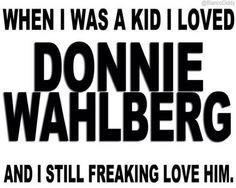 Love ya @DonnieWahlberg I got nothing but love for ya! #SpreadLoveAndLoveWillSpread miss you.  Hope to catch ya tonight.  Happy #Twug Tuesday! 💋