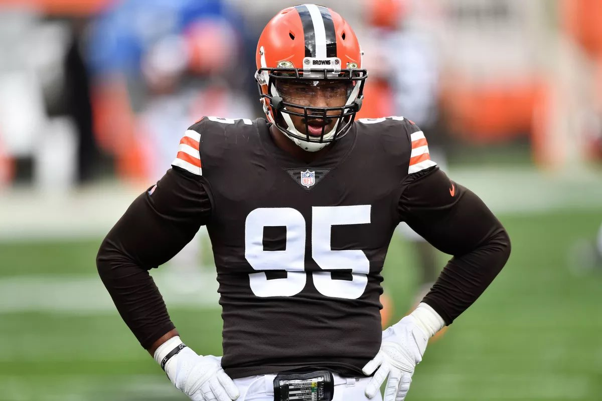 Just another day to get @MylesLGarrett a shot for the WALTER  PAYTON MAN OF THE YEAR AWARD! RT for Votes!  #WPMOYChallenge+ Garrett