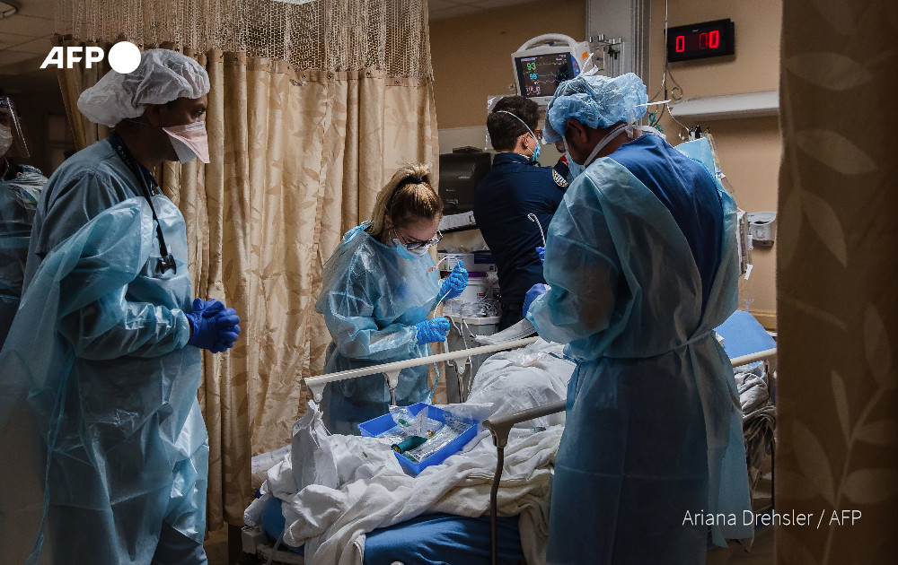 Replying to @AFP: #BREAKING US Covid-19 death toll hits new daily record of nearly 4,500: Johns Hopkins