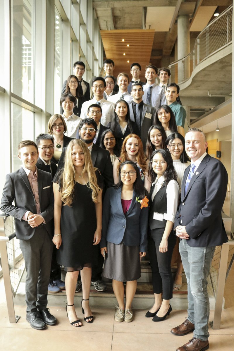 Application deadline for Undergraduate Summer Research Award is March 8!  -@UCSDMathDept, @UCSDPhysics & @UCSDChemBiochem undergrad funding -Summer research w/ guidance of @UCSanDiego faculty -Full time immersion in research topic for 10 wks ✅ Learn more: https://t.co/9k2P3zp4y3 https://t.co/CTxOnl48Jv