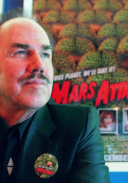 #OTD #Music 1923 Ottis Dewey Whitman Jr aka Slim Whitman born Tampa, Florida. Country/western singer-songwriter known for yodeling abilities & 3 octave-range. Sells over 70 million records. One song featured in movie Mars Attacks! as deterrent to Martians.