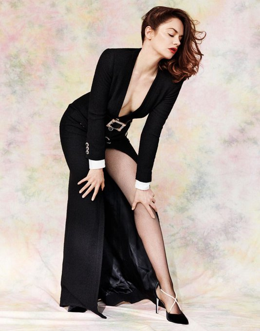 Happy birthday to the sultry Ruth Wilson! I d love to feel those poised lips on me.