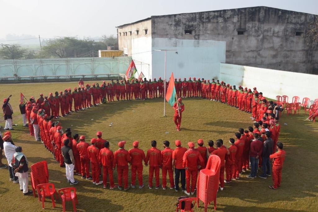 'युवा घेरा' कार्यक्रम की अपार सफलता ने दिखा दिया है कि प्रदेश में युवा शक्ति भाजपा सरकार की नीतियों से कितनी आक्रोशित है.  प्रदेश का युवा सत्ता के बदलाव के लिए एकजुट हो चुका है.   #बाइस_में_बाइसिकल