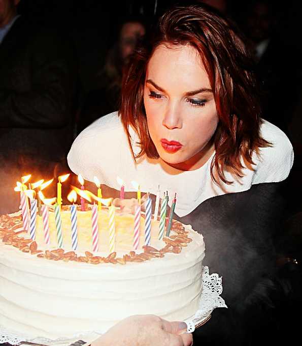 Happy birthday to our favorite girl, ruth wilson!