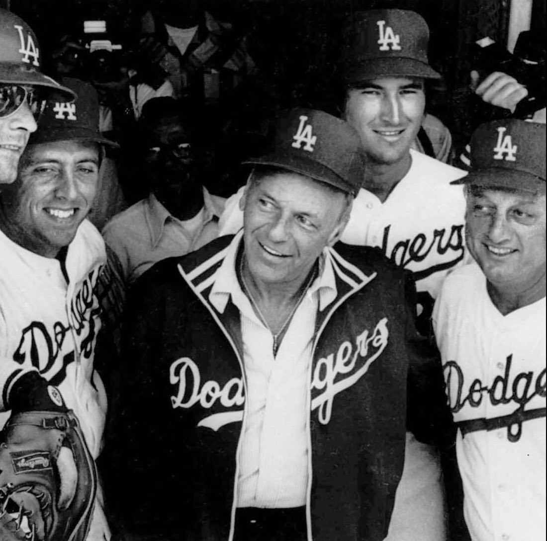 One of our favorite photos of Tommy with his pal #FrankSinatra and the #DODGERS #TommyLasorda #RIPTommyLasorda 💙⚾️🏆🏆🙏🕊