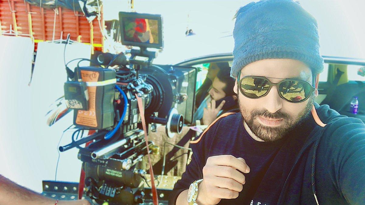 Happiness is the real sense of fulfillment that comes from JORDAAR hard work. 🤩😊💐💘⭐️ #rajan_r_verma #director #shootmodeon  #jordaarteam #shivamjemin #shobhnabhupatbodar #jessujordaar #teamjordaar